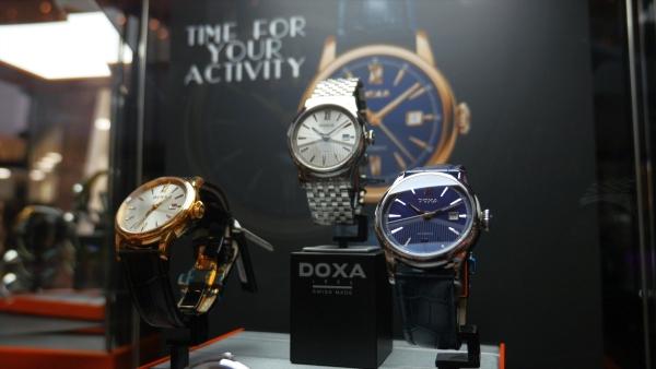 Czas mierzony tradycją, dla ciekawych świata – prezentacja  najnowszej kolekcji zegarków DOXA
