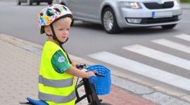 Bezpieczeństwo dzieci w drodze do szkoły BIZNES, Prawo - Wakacje oficjalnie dobiegły końca, co oznacza, że rodzice z całego kraju wrócili do swoich obowiązków przy odwożeniu i odbieraniu dzieci ze szkoły.